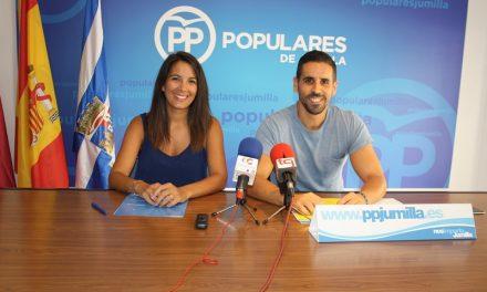 """El grupo municipal del Partido Popular califica de """"nefasta"""" la gestión de la concejalía de festejos en la programación de la feria."""