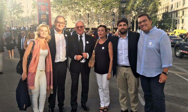 """""""El pasado sábado, en Barcelona, una avalancha social y política gritamos al mundo NO AL TERRORISMO Y SI A LA LIBERTAD"""""""