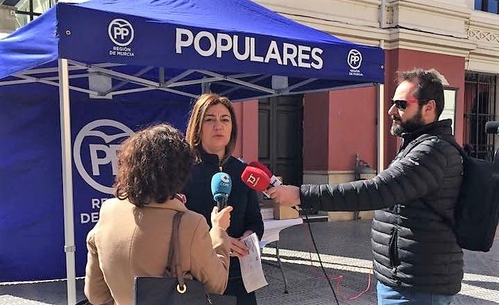 """Seve González: """"Queremos recoger los testimonios de la sociedad Jumillana para sumarlos a los más de 2 millones y medio de españoles que están en contra de la derogación de la Prisión Permanente Revisable""""."""