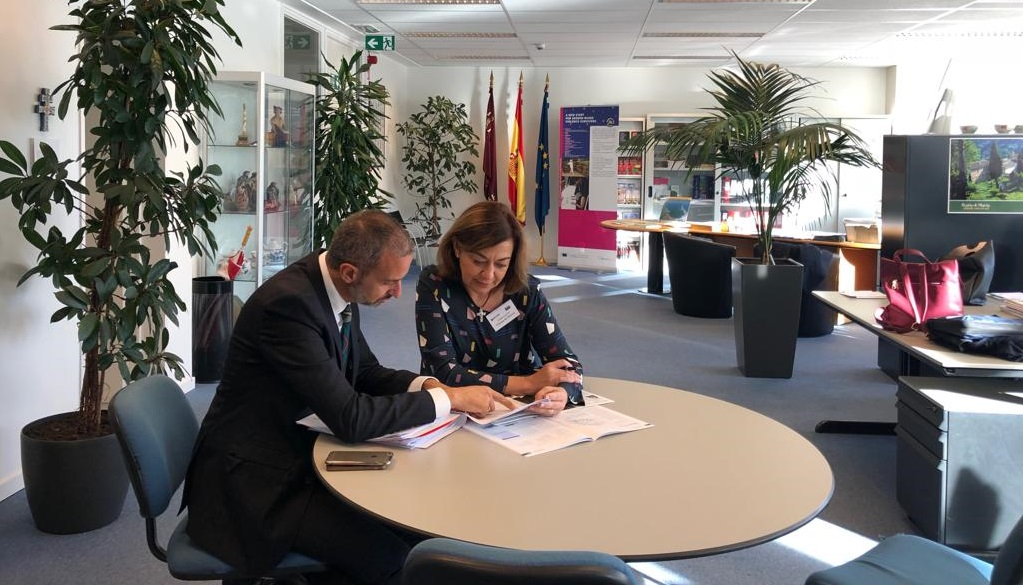 Seve González se reúne en Bruselas con el Director General de Unión Europea y Acción Exterior
