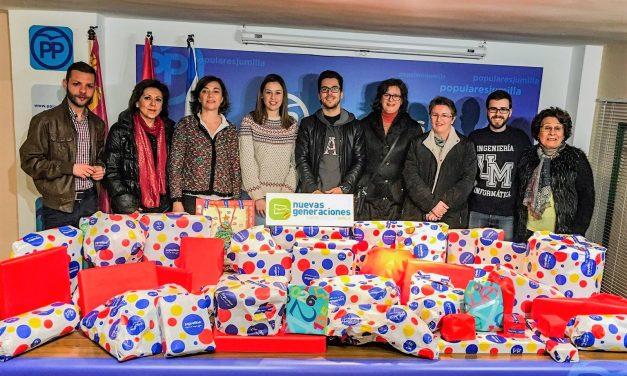 NNGG del Partido Popular de Jumilla realiza su primera campaña de recogida de juguetes solidarios a beneficio de Cáritas Jumilla
